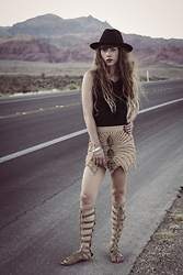 Alexe Bec - Missguided Hat, Vero Moda Top, Spell Designs Skirt, Free People Sandals - Red Rock Canyon
