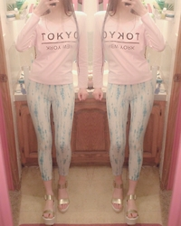 Holly Ann - H&M Pastel Pink Tokyo New York Print Shirt, White And Blue Distressed Tie Dye Capris, Gold Buckle Platform Sandals - ●Pastel Casual Cities●
