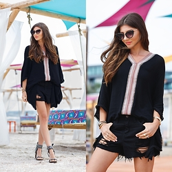 Larisa Costea - Jessica Buurman Sandals, Boohoo Sunglasses - Chilly mornings
