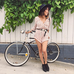 Francesca Felix - Spell And The Gypsy Romper, H&M Hat - Beachside stroll