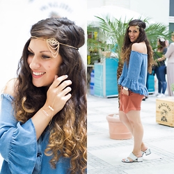 Tamina S - Asos Hair Accessory, Asos Hand Jewelry, Zara Off Shoulder Shirt, Zara Shorts, Zara Sandals - MBFW Berlin outfit 4