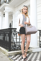 Marika - Zara Cape - Monochrome look with a cape blazer