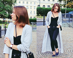 Marta S. - Grey Maxi Cardigan, H&M Black Top, Never Denim Black Pants, Black Mini Bag, Navy Shoes - Simple look with maxi cardigan.