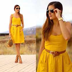 Marianela Yanes - Pepa Loves Dress, Michael Kors Bag, Stradivarius Belt - Mustard Dress