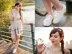 Joyce Nunes - Antix Baloon Print Dress, Keds, Accessorize Flower Headband, Missmott Hourglass Necklace - Time In A Bottle