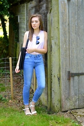 Sophie C - H&M Crop Top, Primark Oversized Bag, Sunglasses, Warehouse Jeans, Firetrap White Sandals - Gingham Crop Top