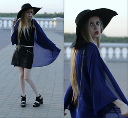 Eliza Modex - Raf Simons Hat, H&M Skirts, H&M Shoes, Shirts - Bat