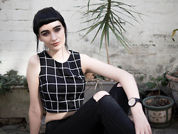 Amelia Goldie - Boohoo Grid Tank, American Apparel Black Jeans, Christian Paul Watch - Warm Winter Sunday.