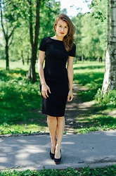 Veronika T -  - LITTLE BLACK DRESS
