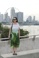 Prudence Yeo - Ray Ban Ray Ban Wayfarer, Cotton On Off Shoulder Top - Leaf Print Overall and Ray-Ban Sunglasses Giveaway!