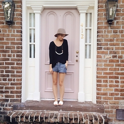 Morgan Elizabeth - Melissa Sonico Necklace, J. Crew Shorts, J. Crew Tee, Old Navy Sandals - Knock Knock