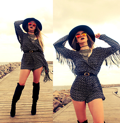 Joicy Muniz - H&M Hat, Style Moi Choker, Urban Outfitters Necklace, H&M Jumpsuit, Mentacafé Belt, Scoop Boots - Fringes