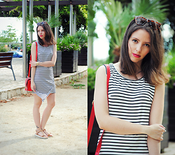 Ana Mª Aranda - New Dress Striped, Rosewholesale Bag, Zara Sunglasses - Striped Dress