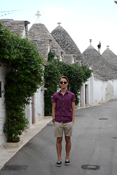 Davide Peretti - Ray Ban Sunglasses, H&M Pois Shirt, H&M Shorts, Vans Authentic - Alberobello