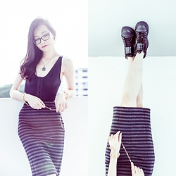 Ren Rong - Vedette Shapewear Florence, Uniqlo Pencil Skirt, Zalora Pu Sneakers - Florence in the Sunlight