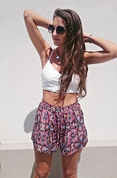 Julia - Topshop Sunnies, Sheinside Bralet, Forever 21 Shorts - THE BEST SHORTS