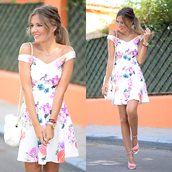 Helena Cueva - Fashion Pills Dress, Zara Handbag, Zara Sandals - Neon Floral Dress