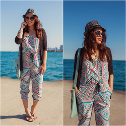 Lily S. - Sandals, Jumpsuit, Sunglasses, Necklace, Cardigan - City Limits // Instagram @pslilyboutique
