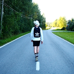 Albert L. - Adidas Back Bag, Forever 21 Shirt, H&M Shorts, Carlings Socks - Back to everyday life