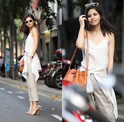 Adriana Gastélum - Cami Nyc Lace Camisole, Guess Mules, Mansur Gavriel Bucket Bag - Easy breezy layers