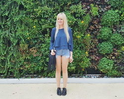 Ingrid O - Zara Polka Dot Blouse, Topshop Denim Shorts, H&M Fringe Handbag, Primadonna Black Shoes - FEELING BLUE