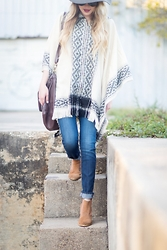 Payton Sartain - Urban Outfitters Poncho, Rich & Skinny Jeans, Seychelles Booties - Perfect Ponch