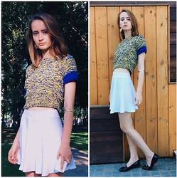 Kseniya Kaftaylova - H&M Skirt, New Look Loafers - Blue-Yellow Crop top