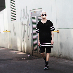 Patrick Pankalla - 5 Preview Oversized Tee, H&M Sunglasses, Matinique Suit Shorts, Adidas Logo Socks, Adidas Adilettes - In The Alley