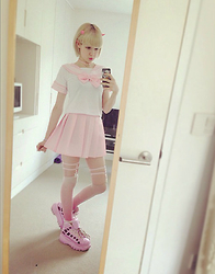 Fin ☆ - Kreepsville 666 Mini Horn, Rock Walk Platform Sneakers, Wego Heart Choker, Hand Made By Me Garters, Pink Sailor Fuku - 120815