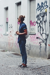 Richy Koll - Vans Sneakers, H&M Jeans, H&M Shirt, Backpack, Ray Ban Glasses - Berlin Day 2. online at richyWHO?