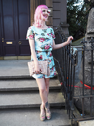 Amanda Davies -  - Tiki themed co ord