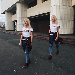 Vlada Kozachyshche - New Look T Shirt, Pull & Bear Blouse, Pull & Bear Jeans, Nike Sneakers - Cheeky