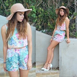 Jessica Sheppard - Missguided Floppy Hat, Megan Turner Co Ord, Primark Heels - GRANDMA's CO-ORD.