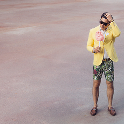 O C - Zara Jacket, Zara Shorts, Gucci Shoes, Hermes Cuff, Tom Ford Glasses - Barbe A Papa