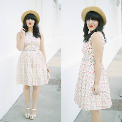 Carla Thompson - Emily And Fin Colorful Dotted Dress, Swedish Hasbeen Pearl Sky High, Forever 21 Straw Hat - Confetti