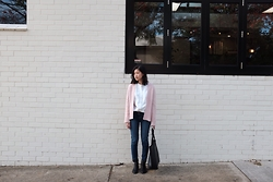 Sue Chung - Country Road Shirt, J Brand Jeans, Madewell Transport Tote, The Iconic Chelsea Boots - Back again