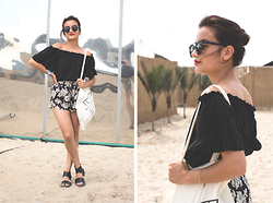 Doris Dave - Zerouv Sunnies, Brandy Melville Usa Off Shoulder Crop Top, Brandy Melville Usa Floral Shorts, H&M Sandals, Wecandance Totebag - WECANDANCE 15