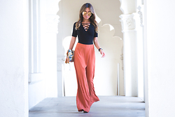 Jessi Malay - Linda Farrow Gold Wire Rim Mirrored Lenses, Reformation Serena Bodysuit, Fashion Therapy Savannah Wide Leg Pants - Transition | Reformation + Linda Farrow