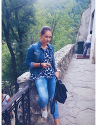 Silvia F. - Stradivarius Denim Jacket, Zara Jeans, H&M Shirt, Stradivarius Sneakers, Pimkie Backpack - 2508
