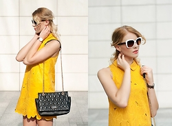 Monchanvre - Topshop Dredd, Aldo Sunglasses, Mohito Bag - Gold floral dress