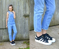 Sophie C - Topshop Denim Dungarees, Glamorous Dogtooth Print Top, Adidas Platform Trainers - I Heart Dungarees