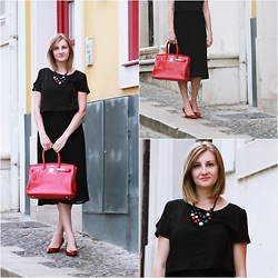 Our Own Runway Oana and Andreea - Zara Shoes, Hermès Bag - Black and Red