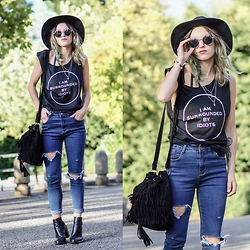Agata P - Stylemoi Jeans, Dressin Sunglasses, Dresslink Bag, Stylemoi Necklace - Surrounded By Idiots