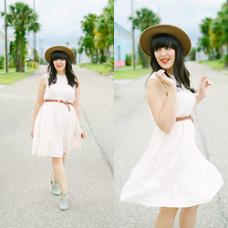 Carla Thompson - Seychelles In The Sky Seafoam Heels, Forever 21 Fedora Wide Brim - Easy Breezy