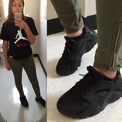 Cely Tamayo - Nike Huaraches, Breezy Excursion Fuck The Rest, H&M Army Green Jeans - Striving 4 uniqueness
