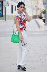 Amanda R. - Ted Baker T Shirt, Mango White Pants, Bimba&Lola Neon Bag, Stonefly Embellished Sandals, Asos Turban - Floral and turban - www.somethingfashion.es