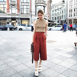 Valeriya Sytnik - Zara Pants, Zara Top, Chic Wish Shoes - Favourite culottes