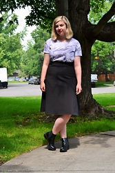 Elizabeth Claire - Kohls Marble T Shirt, & Other Stories Black Scuba Midi Skirt, Kohls Black Chelsea Boots - It's College Time