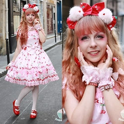 Anastassia Wonderland - Funnyjewels Headdress, Angelic Pretty Cherry Berry Bunny Pink Op, Angelic Pretty Pink Bunny Socks, Bodyline Red Shoes, Follow The White Rabbit Pink Wristcuffs, Chocomint Pink Crown Bracelet - Vanilla strawberry with a cherry on top