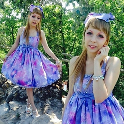Anastassia Wonderland - Angelic Pretty Dreamy Planetarium Lavender Hairclip, Angelic Pretty Dreamy Planetarium Lavender Jsk, Antaina White Mermaid Pearl Shoes - All the galaxy is kawaii